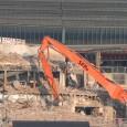 """Beim Abriss des Südflügels gelang es der von der Bahn beauftragten Firma SER am 19.03.2012 einen längeren Baustopp herbeizuführen indem sie eine Stütze des Bahnsteigdachs """"anbaggerte"""" so dass dieses […]"""