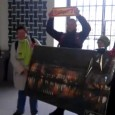 Presseerklärung vom 30. November 2012 Parkschützer schenken Nils Schmid riesigen Adventskalender Am 30.11.2012 bekam Finanzminister Nils Schmid einen überdimensionalen Adventskalender mit 21 Türchen geschenkt. Aber er wollte das Geschenk nicht […]