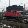 """Am Hauptbahnhof Stuttgart hat es heute erneut eine Entgleisung im Gleisvorfeld gegeben. Diesmal hat es """"nur"""" eine Lok erwischt, Typ V60. Gegen 15:45 Uhr konnte man auf der Webcam der […]"""