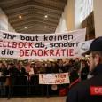 Die 258. Montagsdemo findet am 02. Februar 2015 ab 18.00 Uhr auf dem Stuttgarter Schlossplatz statt. Gegen 18.40 Uhr startet der Demozug über die Bolzstraße, rechts in die Friedrichstraße weiter […]