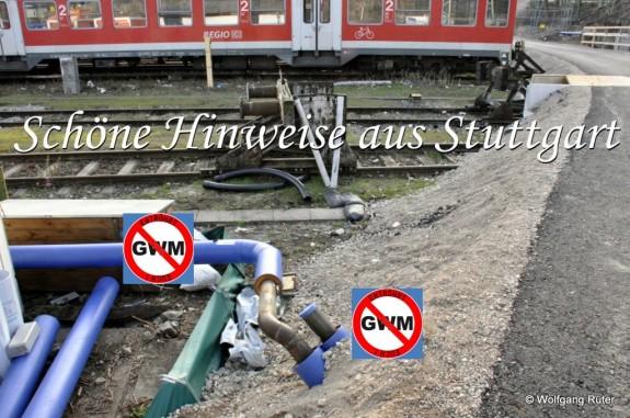 Unter der Zufahrtstraße im Abstellbahnhof wurde noch eine zweite Leitung, neben die zu große Infiltrationsleitung, vergraben, die sich nicht in den Antragsunterlagen findet.