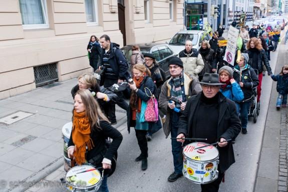 Demo von der Mahnwache zum Rosensteinpark