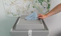 Die Magdeburger Gartenpartei hatte zu einer Kandidatenvorstellung mit Podiumsdiskussion geladen. Die Kandidaten: Dr.Lutz Trümper (SPD) derzeitiger OB Frank Theile (Die Linke) Edwina Koch-Kupfer (CDU) Josef Fassl (Allianz für Menschenrechte, Tier- […]