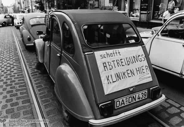 Geschichte / Deutschland / 20. Jh. / Bundesrepublik Deutschland / Bevölkerung / Frauen / Frauenbewegung / §218