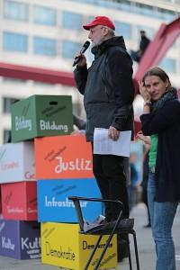 Redner und Moderatorin anlässlich des Aktionstags gegen TTIP, 18.4.2015