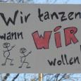 """Stuttgart, Karfreitag den 03.04.2015, es ist sonnig und trocken auf dem Schlossplatz. Die Piratenpartei hat zum alljährlichen tonlosem """"abzappeln"""" gegen das Tanzverbot aufgerufen. cams21 war vor Ort und hat […]"""