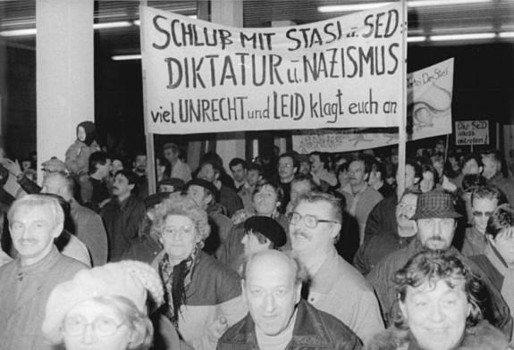 Bundesarchiv, Bild 183-1990-0116-013 / CC-BY-SA