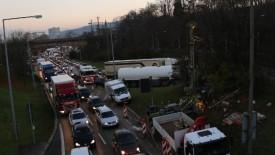"""Ein Kommentar von airjibeer In Stuttgart denken Politiker neuerdings laut über Fahrverbote nach. Das Unvorstellbare in der autogerechten Stadt soll nun """"der Joker"""" im Kampf gegen das akute Feinstaubproblem sein. […]"""