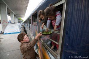 Flüchtlinge im Bahnhof. Foto: Erik Marquardt