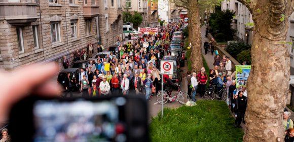 """Video von Eberhard Linckh Redner.innen: Sarah Graf, ASTA der Universität Hohenheim; """"Studiengebühren – Nein danke!"""" Dr. Christoph Engelhardt und Joris Schoeller, WikiReal.org; """"Postfaktische Politik zum 4. Bürgerbegehren: OB Kuhn trägt […]"""